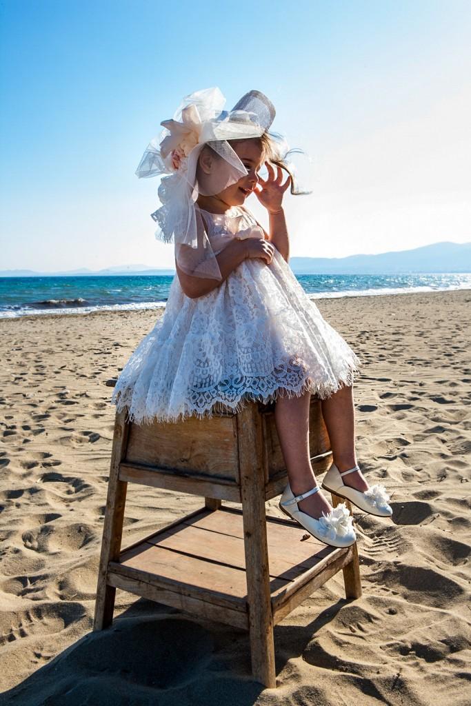 Bambolino βαπτιστικό σομόν φόρεμα με δαντέλα εκρου καπελάκι και ζώνη