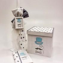 """Ξύλινο βαπτιστικό κουτί """"my little man"""" by elena manakou  Χειροποίητο ξύλινο κουτί βάπτισης με θέμα """"my little man"""" ζωγραφισμένο στο χέρι και διακοσμημένο με υφάσματα σε γκρι χρώμα συνδυάζεται με τη λαμπάδα και τα αξεσουάρ της βάπτισης, το λαδοσετ (μπουκαλάκι, σαπουνάκι και 3 μικρά κεράκια) όλα στο ίδιο ύφος με το κουτί."""