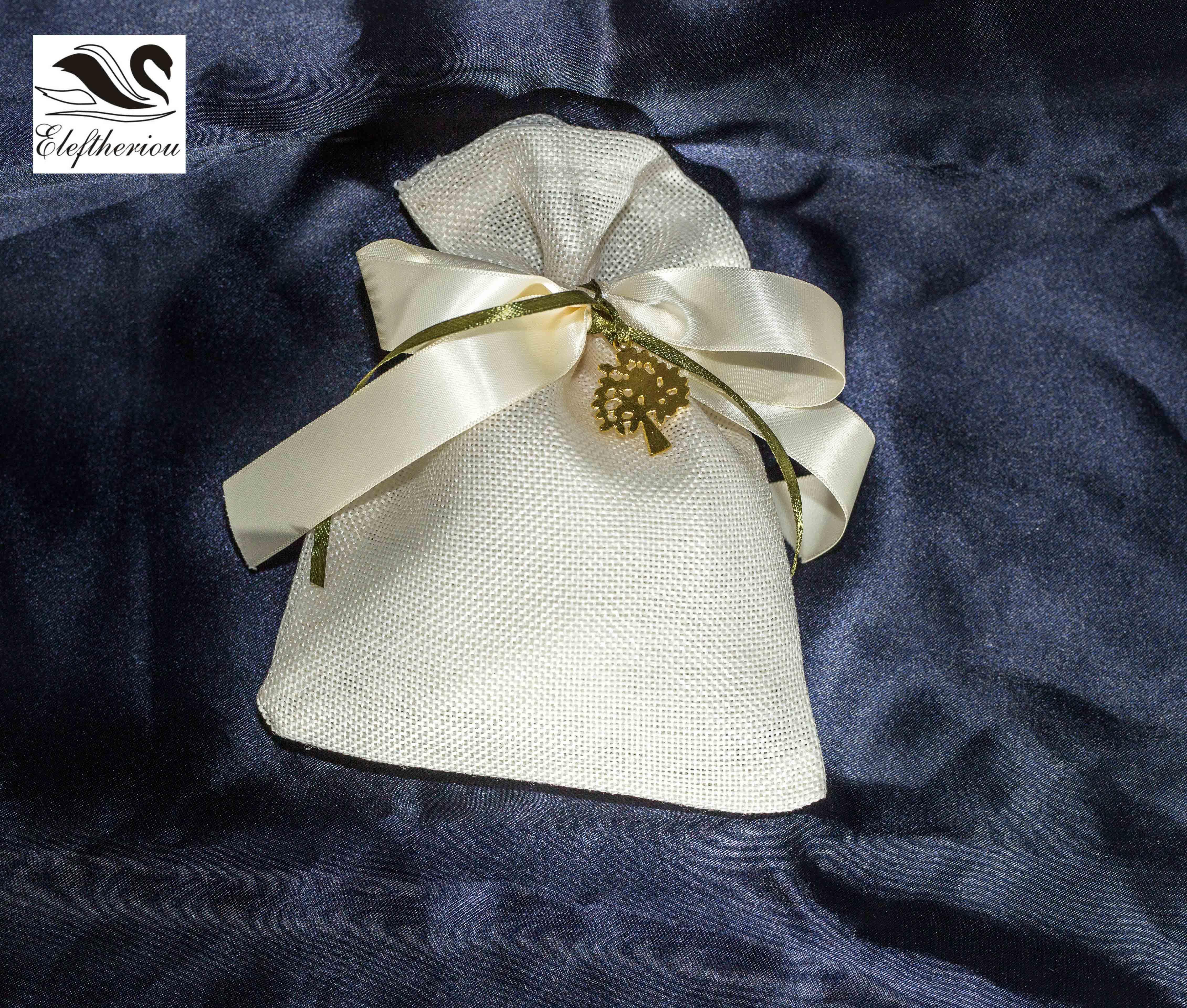 μπομπονιέρα πουγκί από λινάτσα δεμένη με σατέν φιόγκο 8