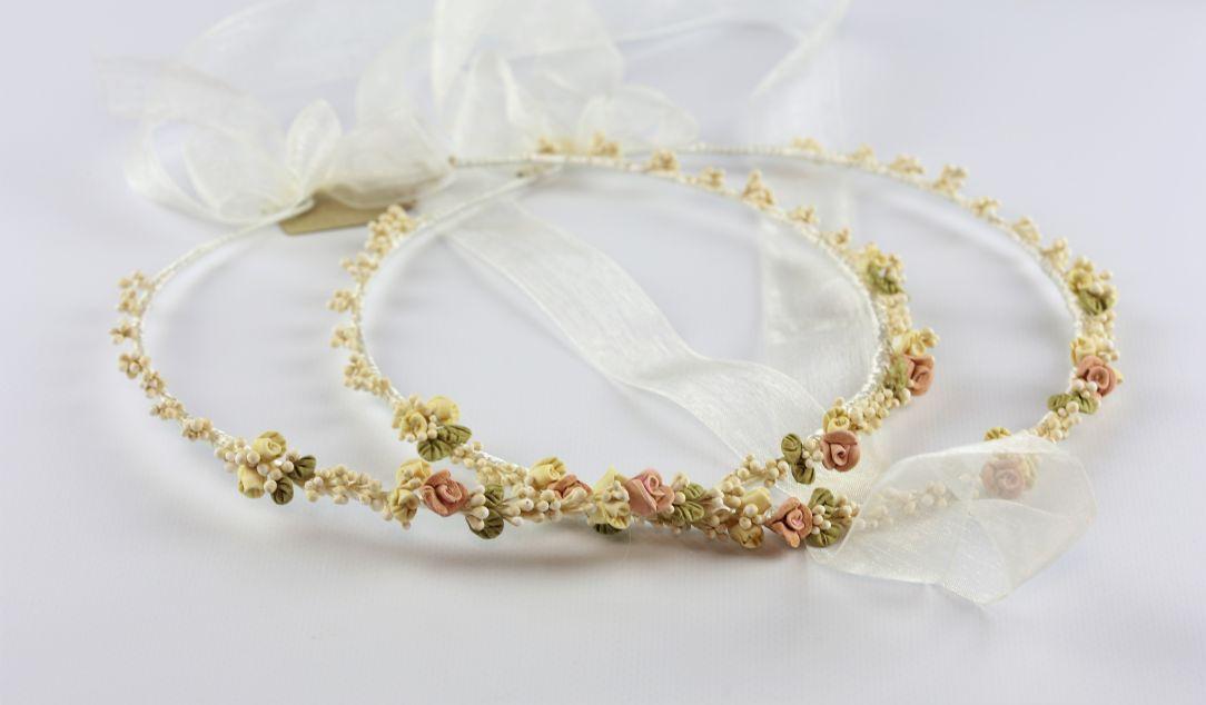 Ρομαντικά Στέφανα Γάμου από πορσελάνινα λουλούδια πέρλες συνδυασμένα με πέτρες Swarovski σε πολυτελή θήκη (120) NESTP 012