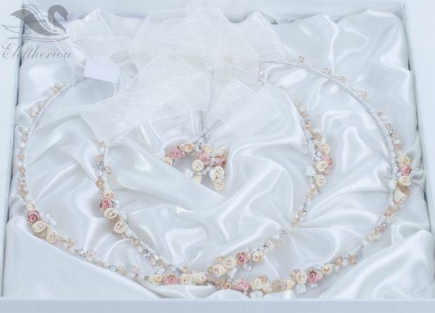 Στέφανα γάμου με ροζ λουλούδια
