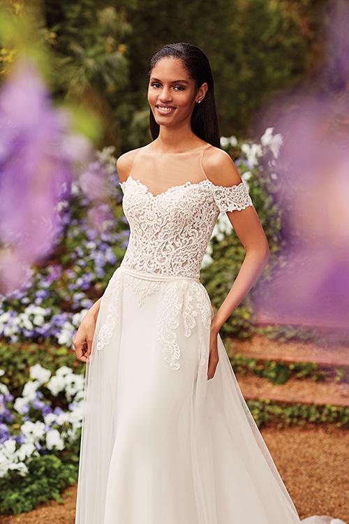 Fit and flare φόρεμα, με δαντέλα, ελαστικό σατέν και αφαιρούμενη τούλινη φούστα