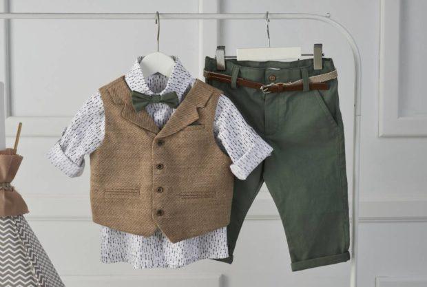 Βαπτιστικό ρούχο για αγόρι πράσινο παντελόνι λευκό πουκάμισο καφέ γιλέκο